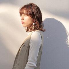 ミディアム ウルフカット ミディアムレイヤー ミニボブ ヘアスタイルや髪型の写真・画像