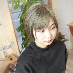 外国人風カラー ガーリー デザインカラー シルバー ヘアスタイルや髪型の写真・画像