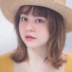 ハイライト 麦わら帽子 ミディアム 外ハネ ヘアスタイルや髪型の写真・画像