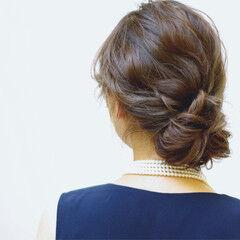 セミロング フェミニン シニヨン 結婚式 ヘアスタイルや髪型の写真・画像