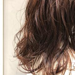 ゆるナチュラル ミディアム デジタルパーマ ゆるふわパーマ ヘアスタイルや髪型の写真・画像