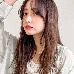セミロング フェミニン 似合わせカット 韓国風ヘアー ヘアスタイルや髪型の写真・画像