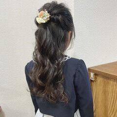 ロング ダウンスタイル コテ巻き お呼ばれヘア ヘアスタイルや髪型の写真・画像