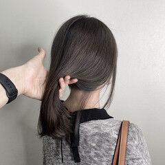 ブルーブラック ミディアム ネイビーブルー フェミニン ヘアスタイルや髪型の写真・画像