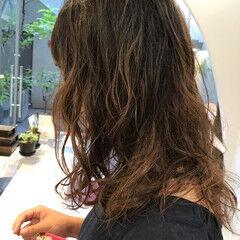 ナチュラル 簡単スタイリング セミロング パーマ ヘアスタイルや髪型の写真・画像