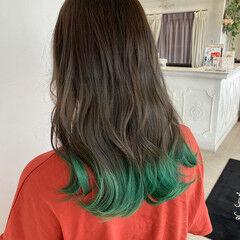 カーキアッシュ カーキ ガーリー 裾カラー ヘアスタイルや髪型の写真・画像