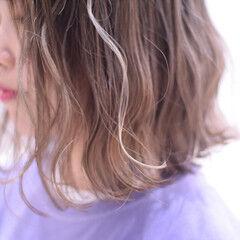 ボブ ハイライト ホワイトハイライト フェミニン ヘアスタイルや髪型の写真・画像