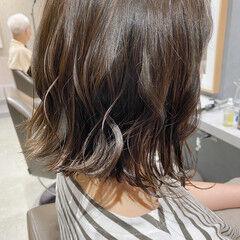 ボブ コンサバ 透明感カラー 切りっぱなしボブ ヘアスタイルや髪型の写真・画像
