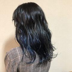 ネイビーブルー セミロング デニム ブルーブラック ヘアスタイルや髪型の写真・画像