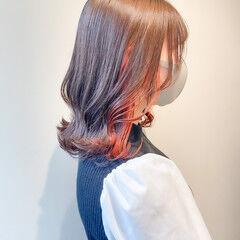 切りっぱなしボブ インナーカラー ナチュラル ウルフカット ヘアスタイルや髪型の写真・画像