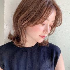 鎖骨ミディアム エレガント ミディアム アンニュイほつれヘア ヘアスタイルや髪型の写真・画像