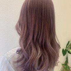 ロング ガーリー ピンクラベンダー ラベンダーカラー ヘアスタイルや髪型の写真・画像