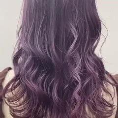 ブリーチ バイオレットアッシュ フェミニン ロング ヘアスタイルや髪型の写真・画像