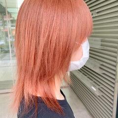 ミディアム オレンジベージュ オレンジカラー ハイトーン ヘアスタイルや髪型の写真・画像