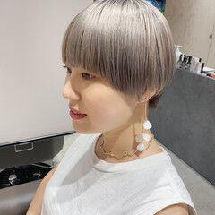 韓国ヘア シルバーアッシュ マッシュヘア マッシュショート ヘアスタイルや髪型の写真・画像