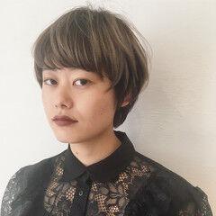 インナーカラー アッシュ ツートン ハイライト ヘアスタイルや髪型の写真・画像