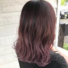 ナチュラル ピンクブラウン カシスレッド ピンクパープル ヘアスタイルや髪型の写真・画像