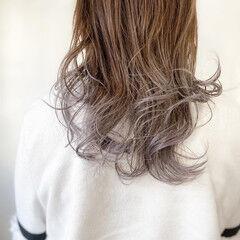 ロング インナーカラーパープル ブリーチカラー ラベンダーピンク ヘアスタイルや髪型の写真・画像