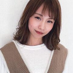 大人かわいい ミディアムレイヤー 3Dハイライト ベージュカラー ヘアスタイルや髪型の写真・画像