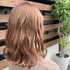 外ハネ ミルクティーベージュ ミルクティーグレージュ ナチュラル ヘアスタイルや髪型の写真・画像