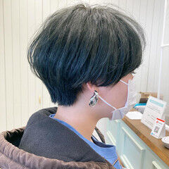 ブリーチカラー カーキ モード オリーブグレージュ ヘアスタイルや髪型の写真・画像