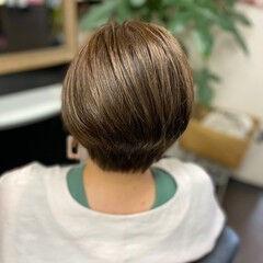 マット マットグレージュ ショートボブ ナチュラル ヘアスタイルや髪型の写真・画像