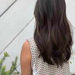 寒色 ナチュラル ハイライト レイヤーロングヘア ヘアスタイルや髪型の写真・画像