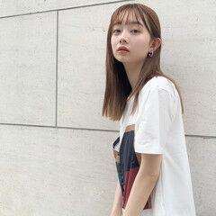 ブリーチカラー 韓国ヘア ミルクティーベージュ ストレート ヘアスタイルや髪型の写真・画像
