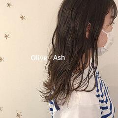 オリーブアッシュ ロングヘア オリーブ ミディアム ヘアスタイルや髪型の写真・画像