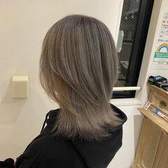 透明感カラー ミディアム モード グレージュ ヘアスタイルや髪型の写真・画像