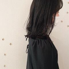 ナチュラル ミディアム 暗髪 ニュアンスウルフ ヘアスタイルや髪型の写真・画像