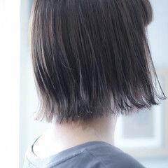 アッシュグレー シルバー シルバーグレー シルバーグレージュ ヘアスタイルや髪型の写真・画像
