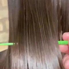 セミロング ナチュラル 梅雨 縮毛矯正 ヘアスタイルや髪型の写真・画像