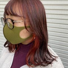 ナチュラル ミディアムレイヤー インナーカラー 韓国ヘア ヘアスタイルや髪型の写真・画像