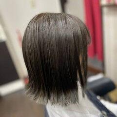 外ハネボブ ショートボブ ボブ アッシュブラウン ヘアスタイルや髪型の写真・画像