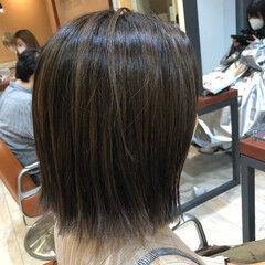 切りっぱなしボブ グレーアッシュ 極細ハイライト 艶髪 ヘアスタイルや髪型の写真・画像