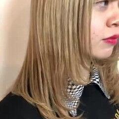 ミルクティーベージュ ガーリー ブロンドカラー ブリーチカラー ヘアスタイルや髪型の写真・画像