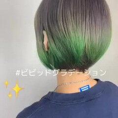 ストリート ダブルブリーチ グリーン ビビッドカラー ヘアスタイルや髪型の写真・画像