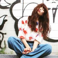 ロング ストリート 外国人風 マルサラ ヘアスタイルや髪型の写真・画像