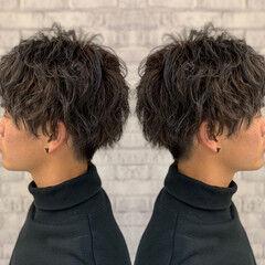 マッシュ ローライト ショート スパイラルパーマ ヘアスタイルや髪型の写真・画像