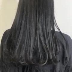 ダークカラー セミロング ダークグレー ブルーブラック ヘアスタイルや髪型の写真・画像