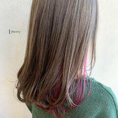 ミルクティカラー グレージュ ガーリー セミロング ヘアスタイルや髪型の写真・画像