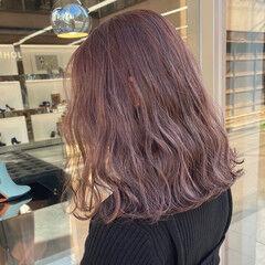 ミディアム ピンク フェミニン 春 ヘアスタイルや髪型の写真・画像