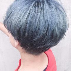 ショート シルバーグレー シルバーアッシュ ストリート ヘアスタイルや髪型の写真・画像