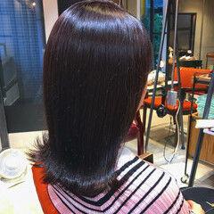 鎖骨ミディアム ラベージュ oggiotto ラベンダーアッシュ ヘアスタイルや髪型の写真・画像