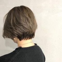 ブルージュ ナチュラル ツートン ショート ヘアスタイルや髪型の写真・画像