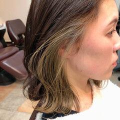 ナチュラル インナーカラー レイヤーロングヘア ミディアム ヘアスタイルや髪型の写真・画像