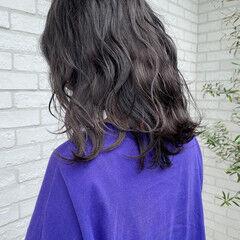 グレーアッシュ ミディアム ストリート グレー ヘアスタイルや髪型の写真・画像