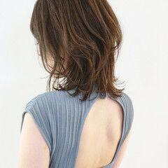 ウルフカット ウルフ ミディアム フェミニンウルフ ヘアスタイルや髪型の写真・画像