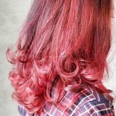 モード インナーカラーレッド インナーカラー ミディアム ヘアスタイルや髪型の写真・画像